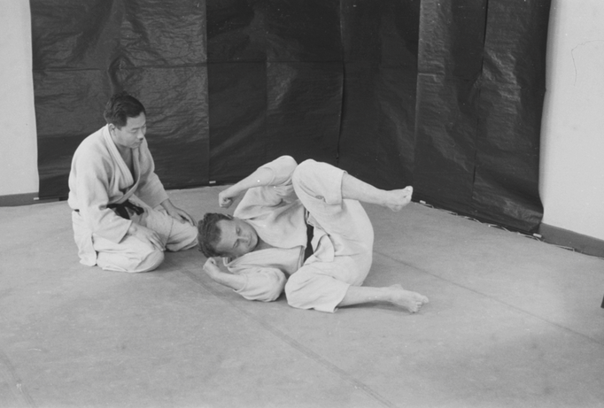 Moshé erhält Judo-Unterricht in Paris