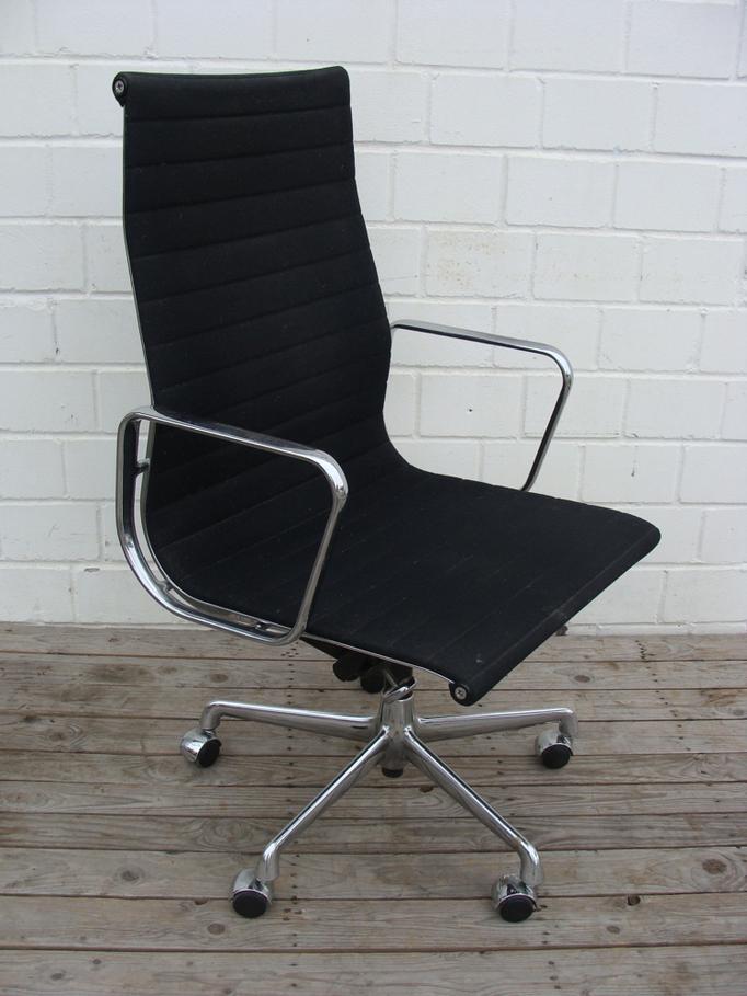 Eames Chair EA119 Vitra. Was für ein Klassiker!