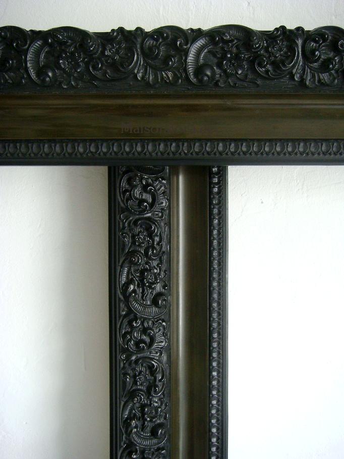 Antike Gründerzeit Stuckrahmen schwarz