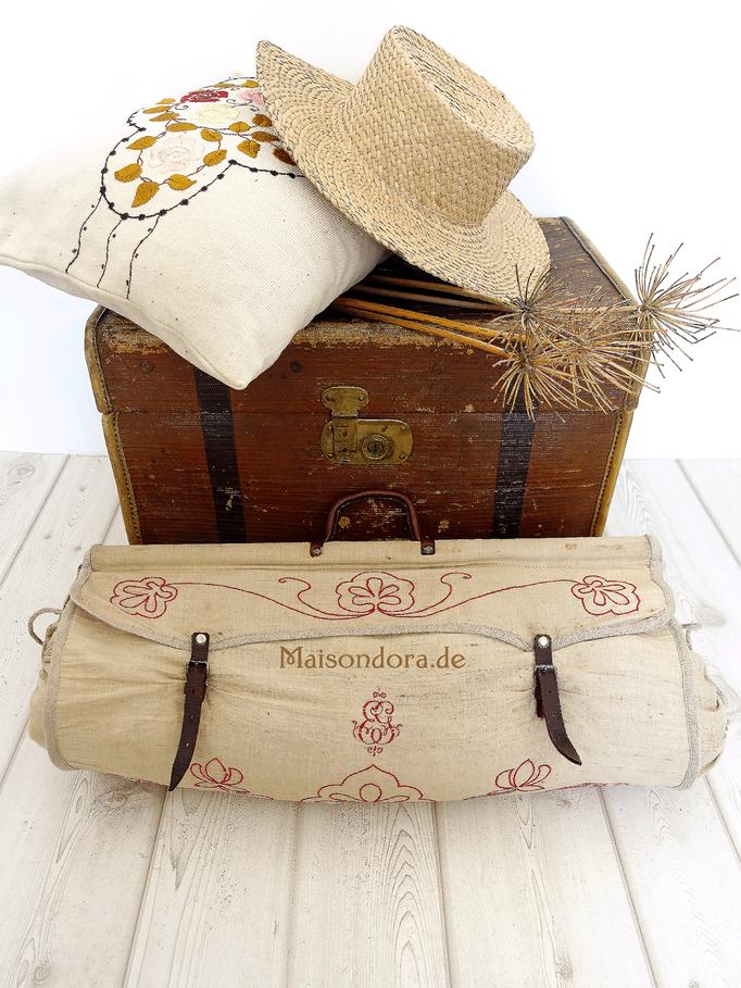Antike Tasche für eine Reisedecke