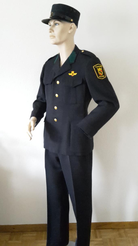 Polizeiuniform, Gr.M/L, Fr.39.-