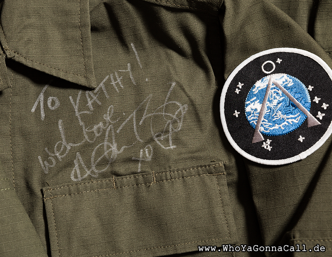 my personalized autograph on the jacket Amanda Tapping wore for the picture <3 © pic by shinzo //degoutrie fotografie
