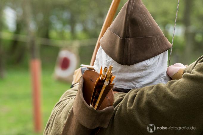 Bogentournier beim SILOAH - Mittelalterliches Blütenfest in Neufrankenroda 2015