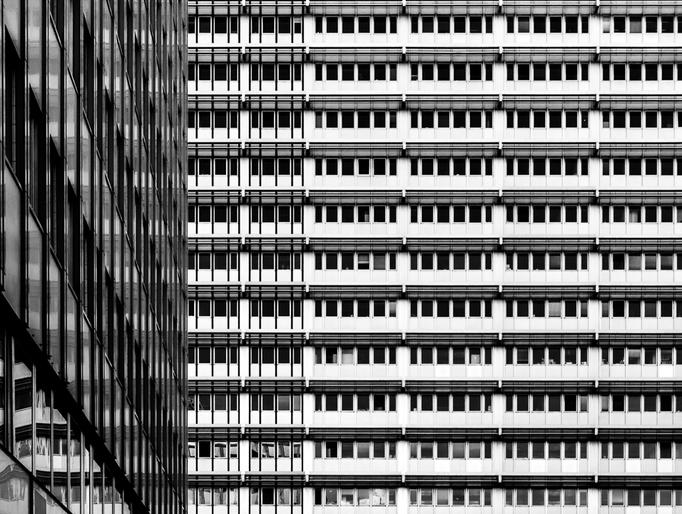 Fassade der Karl Liebknecht Str. in Berlin