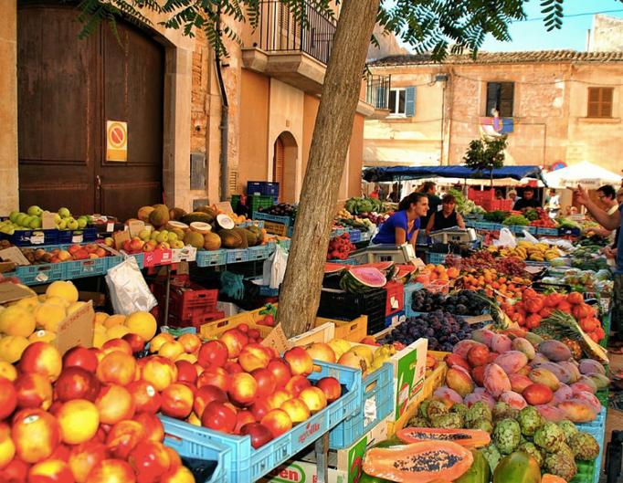 Buntes Marktleben