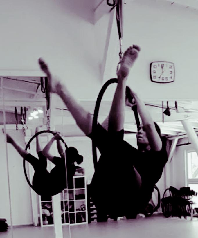AERIAL Hoop, Aerial Yoga in Schleswig Holstein, nahe Sankt Peter Ording SPO, Entspannung, Yoga, Fitness auf Eiderstedt, Hatha Yoga