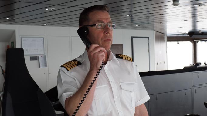 Der Kapitän der Roald Amundsen