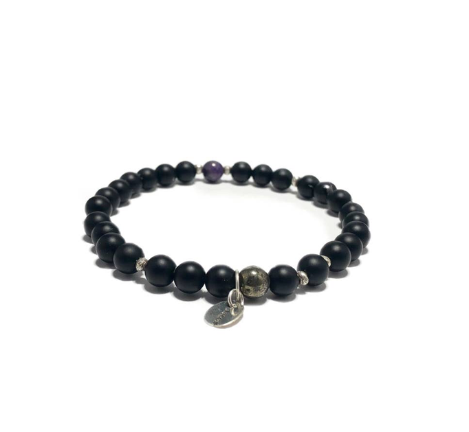onyx skull sterling silver stones semi precious earthy beads beaded stretch mens bracelet natural hippy wook utah USA America small business masculine new jersey local unique
