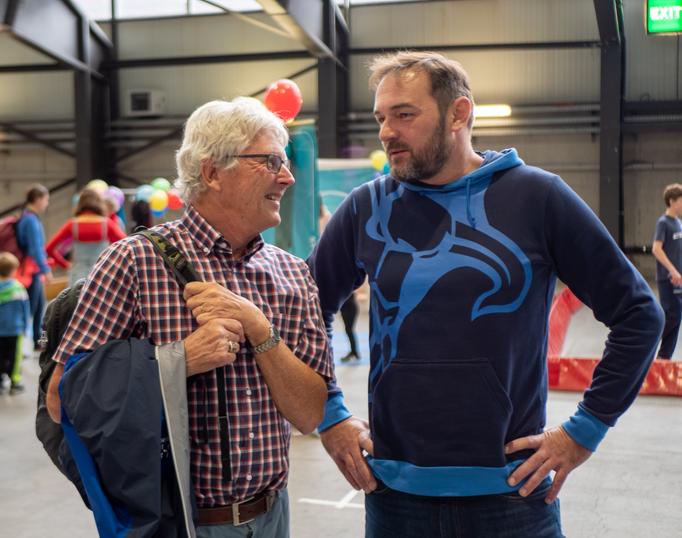 STV Luzern Basket Präsident Hans Häfliger (links) zusammen mit ProBasket Geschäftsführer Wilhelm Pfeifer