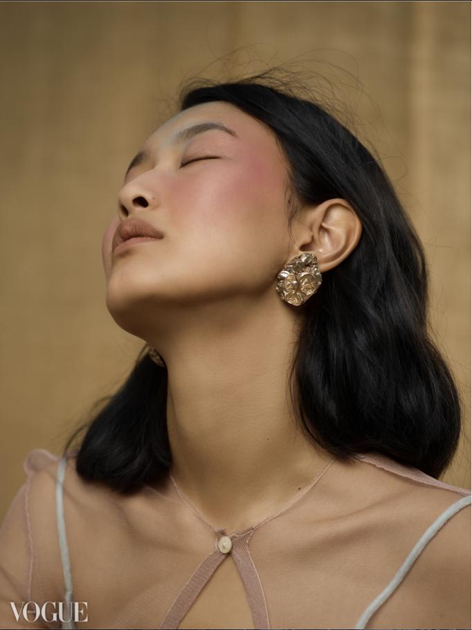 """tinged"" for BeautyArchive - selected online on Vogue Italia - photographer: violetta koenig - stylist: anastasia tolstunova - makeup & hairstyling: anie lamm-siu - model: eny jaki"