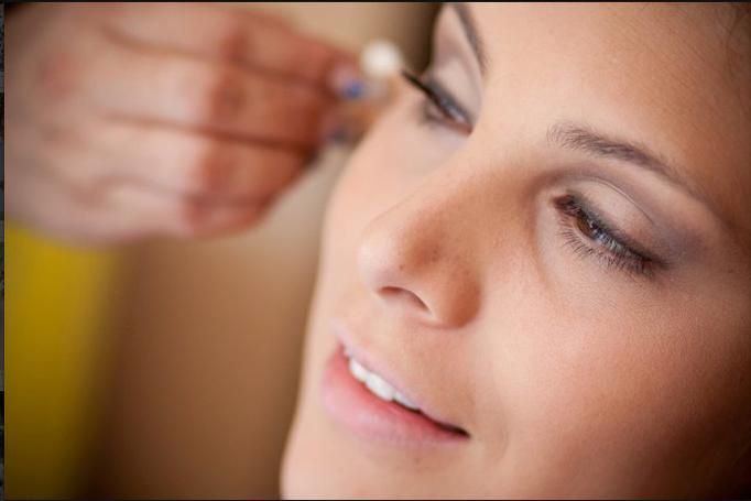 Proceso de maquillaje natural