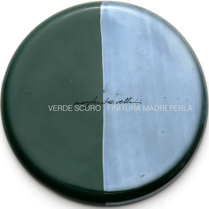 Color sample DEEP GREEN and PEARLY SURFACE FINISH Margherita Vellini - Ceramic Lamps -  Home Lighting Design - Made in Italy