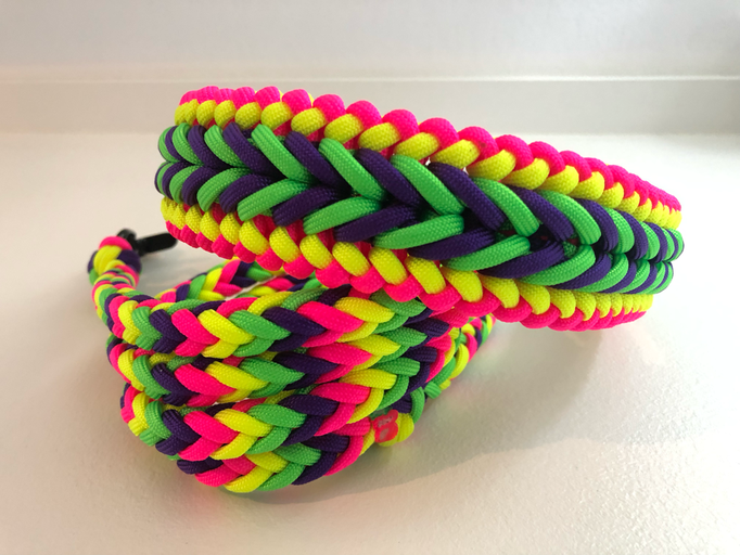 Benno's Happiness mit Herringbone in Neon