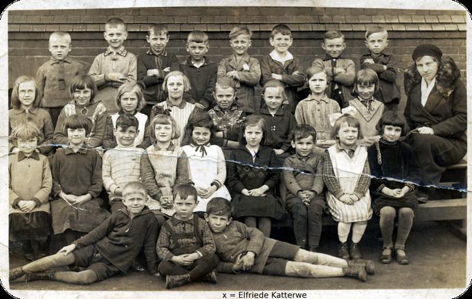 Klassenfotos von Elfriede Katterwe ( Gural )