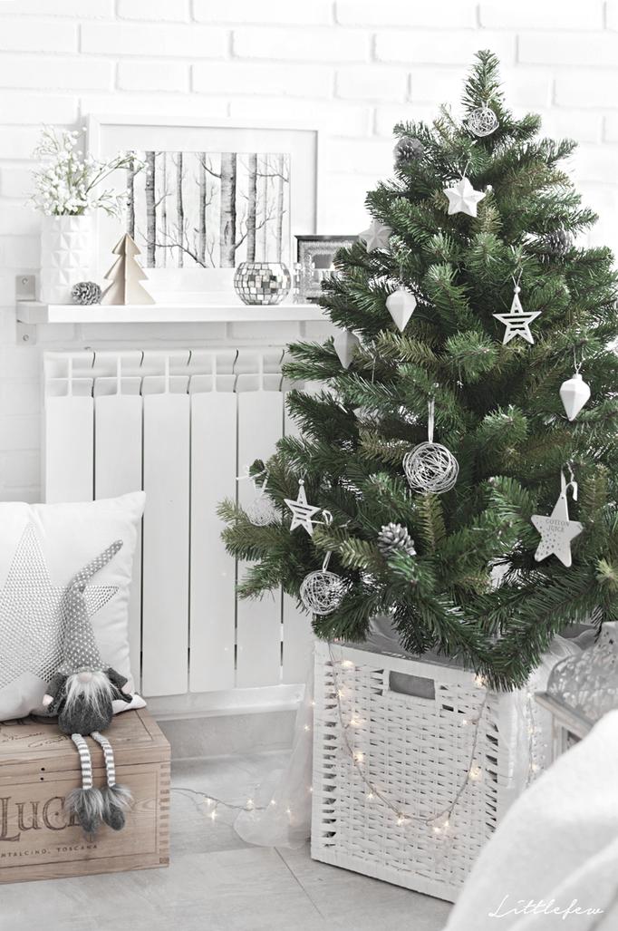 Stile nordico albero di natale tradizionale