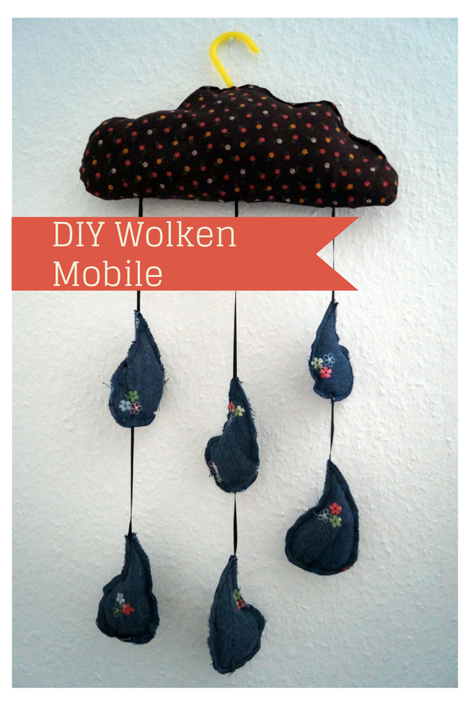 biberette DIY Wolkenmobile Denim Upcycling Regentropfen