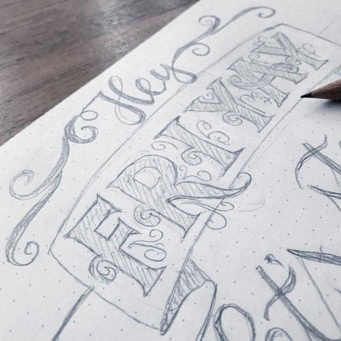 Letter Lovers wildhippiecom Anleitung für ein Lettering Layout: Schritt 4 - Skizze ausarbeiten