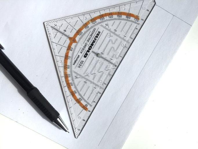 DIY Anleitung für eine Strohhalmdeko - das Papier zuschneiden (Letter Lovers somelovelyletters)