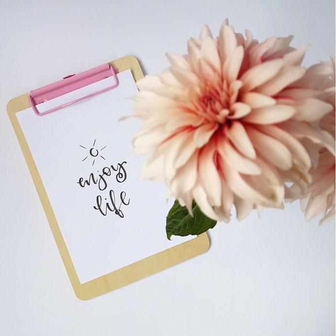 Handlettering: enjoy life (fraeulein_flausch für die Letter Lovers)