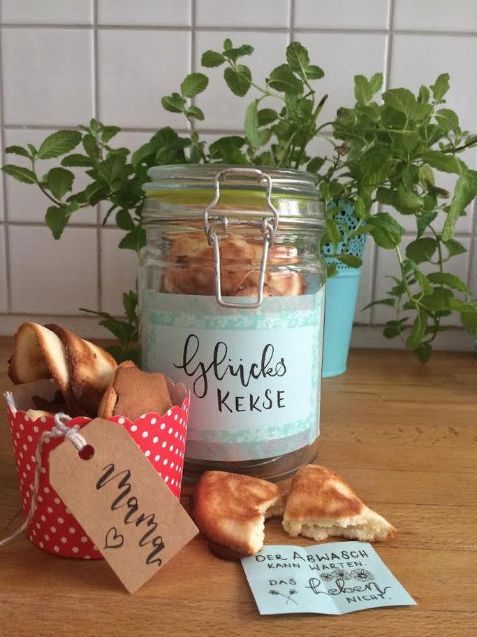 Letter Lovers fraeulein_kalt: Rezept und Anleitung für Glückskekse mit Lettering