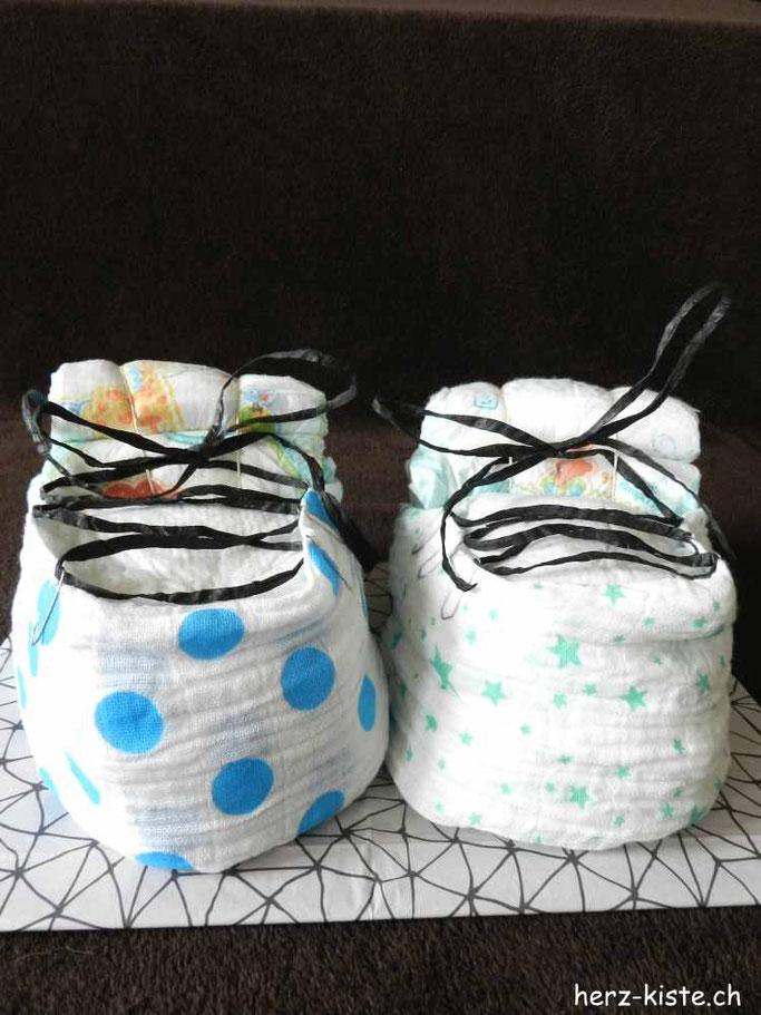 Geburtsgeschenk für Zwillinge: Windelschuhe