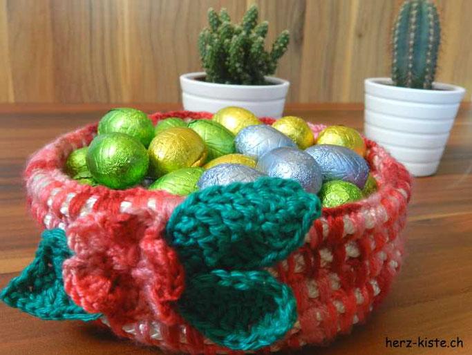 DIY Häkelkorb selbermachen - mit Ostereiern als Osterdekoration