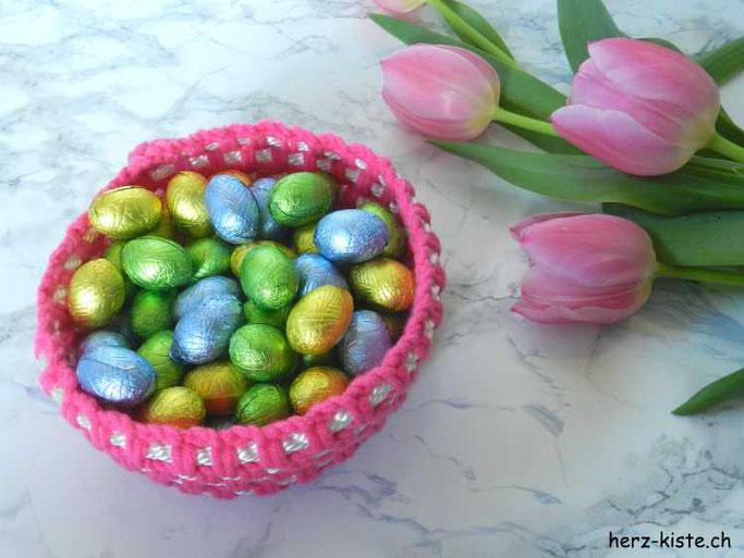 DIY Häkelkorb mit Ostereiern