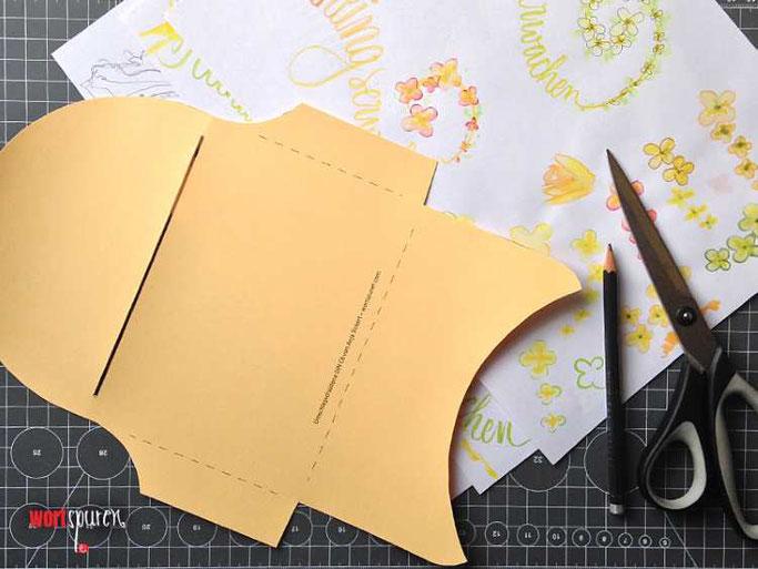 Letter Lovers Wortspuren: Anleitung Umschlag aus Schmierpapier - mit Gratis Vorlage
