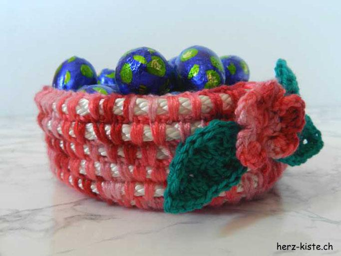 DIY Tutorial für einen Häkelkorb aus Wolle und Seil