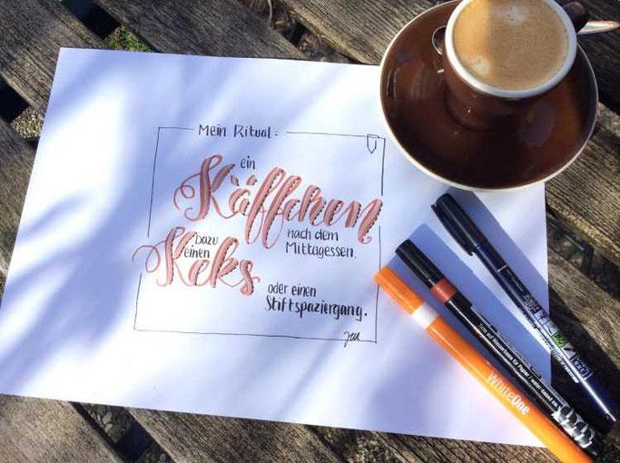 Letter Lovers zwischen2stuehlen: Handlettering Mein Ritual: ein Käffchen und ein Keks