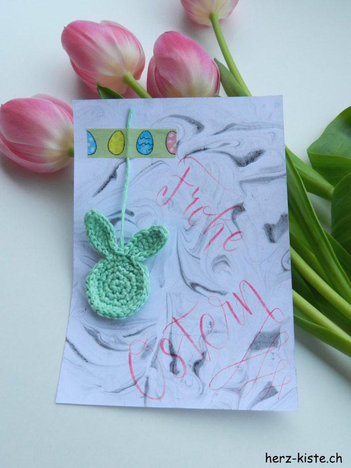 DIY Idee zu Ostern: Karte mit Handlettering und einem Häkelhasen verschicken