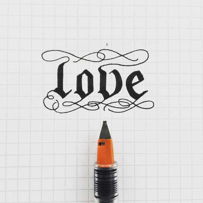 Letter Lovers unakritzolina: Handlettering Love