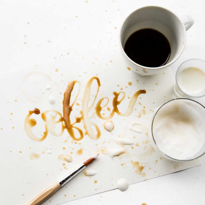 Letter Lovers photo.aloha: Handlettering coffee mit Kaffee