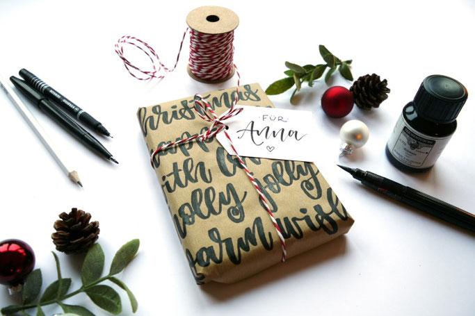 DIY Lettering Anleitung: Wie du mit einfachen Mitteln deine Geschenke hübsch verpacken kannst - mit Handlettering (Lettering_by_mj für die Letter Lovers)