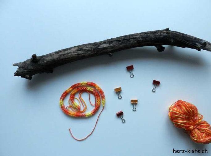 Material für DIY: Bilderrahmen mit Holzästen
