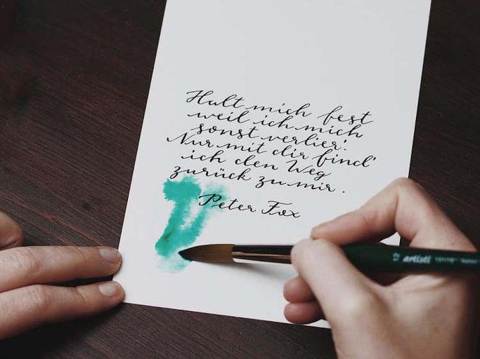 Letter Lovers vierneuntel: Anleitung Zitat mit Aquarell Hintergrund - zarte Farben