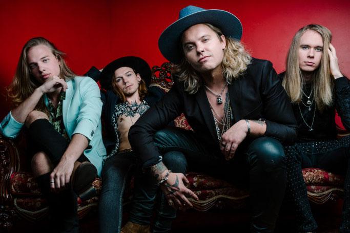 Santa Cruz, New Single, Change Of Season, New Line-Up, Rockers And Other Animals, Rock News, Rock Magazine, Rock Webzine, rock news, sleaze rock, glam rock, hair metal