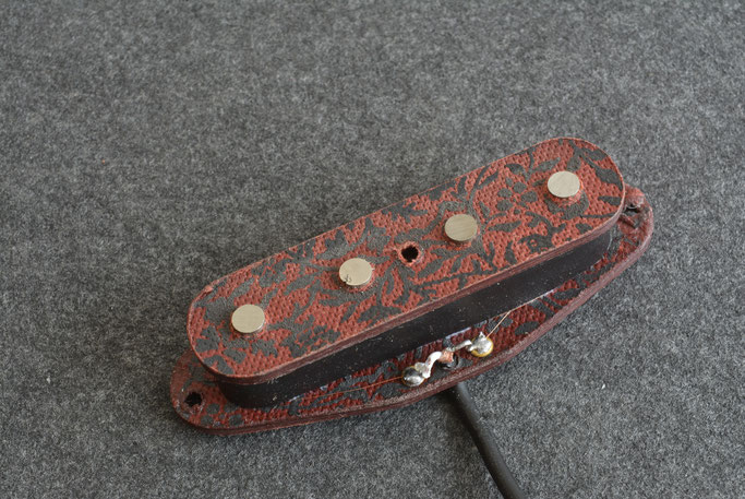 screen printed fibre-board bobbin on a Tele Bass pickup