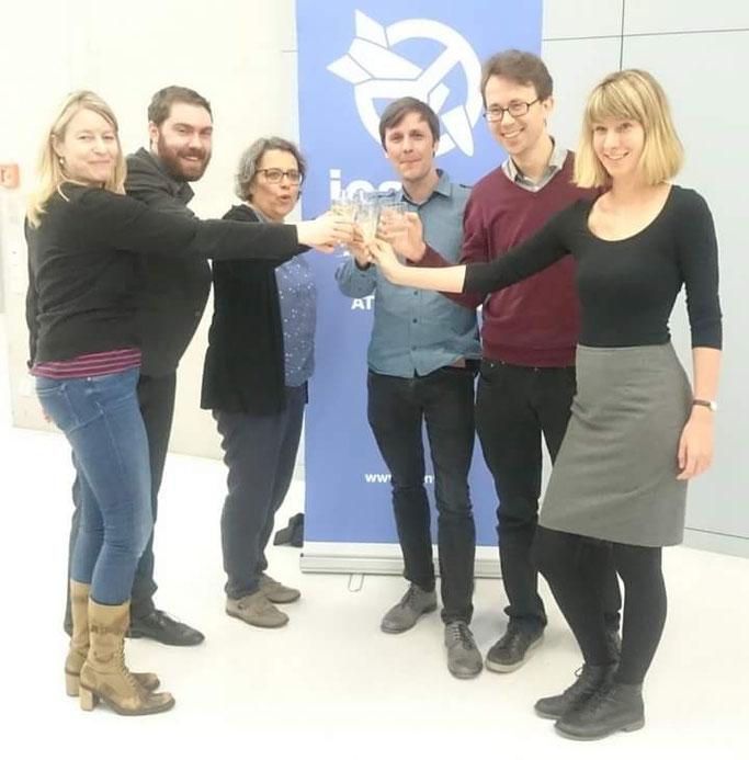 Foto: Ican bekommt den Friedensnobelpreis 2017. Hier das deutsche Team, von links nach rechts: Angelika Wilmen, Martin Hinrichs, Xanthe Hall, Sascha Hach, Felix Werdermann, Anne Walzer.