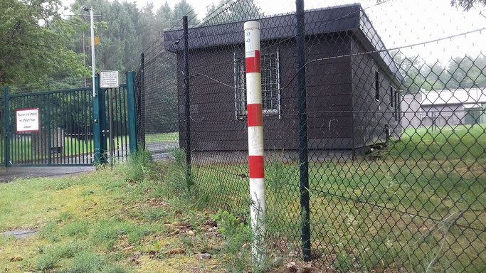 In diesem Grundstück (kleines Tanklager) endet die NATO-Pipeline in Büchel