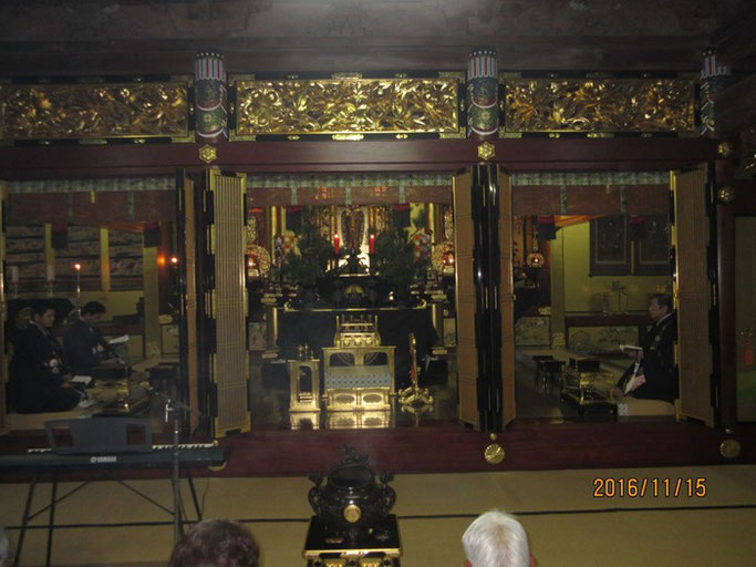 大分・別府の浄土真宗 西念寺さんの立派な内陣。