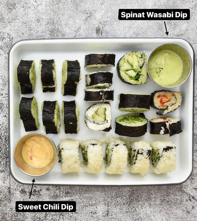 selbst gemachtes Sushi mit Spinat Wasabi Dip und Sweet Chili Dip