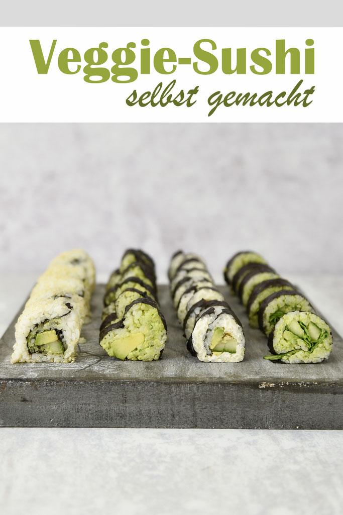 Grünes vegetarisches oder veganes Sushi selbst gemacht mit Wasabi-Dip, Avocado, Gurke, Spinat, als Maki Rolls oder California Rolls oder Sushi in Herzform, Sushi Reis aus dem Thermomix