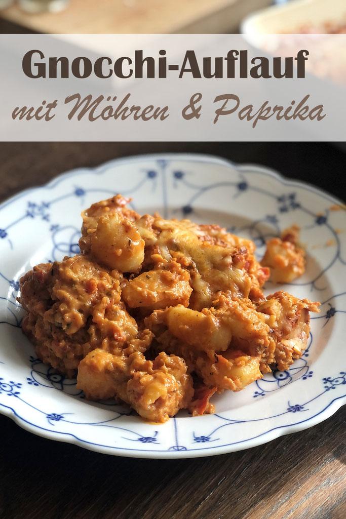 Gnocchi Auflauf mit Möhren und Paprika, Thermomix Rezept, Gemüse wird zerkleinert und in einer Tomatensoße aufgekocht, dann über die ungekochten Gnocchi geben und im Ofen backen, vegan, vegetarisch, Mittagessen