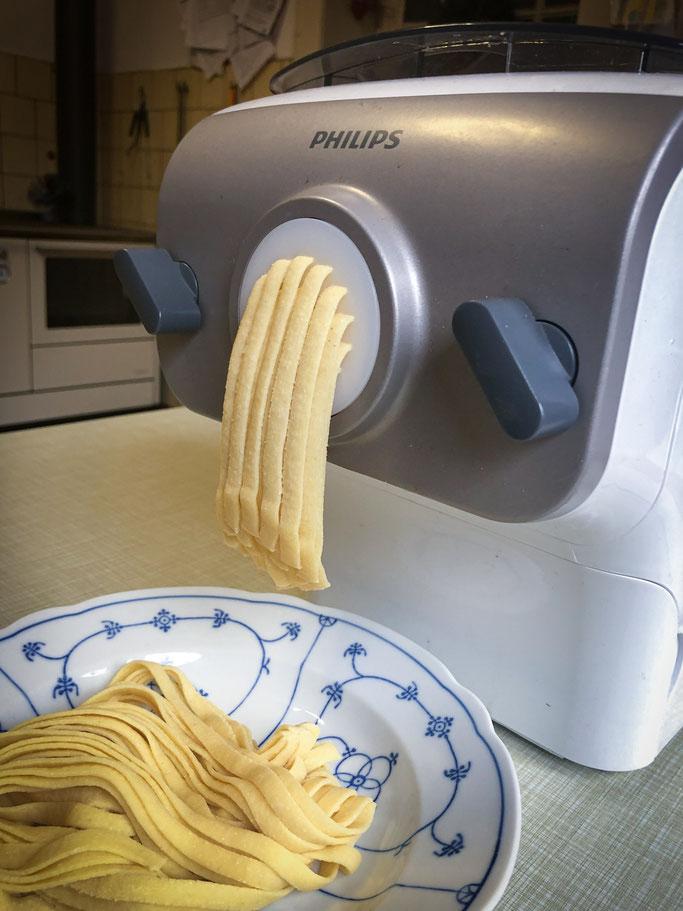 Pastamaker Philips Rezept für reine Hartweizengrieß Nudeln