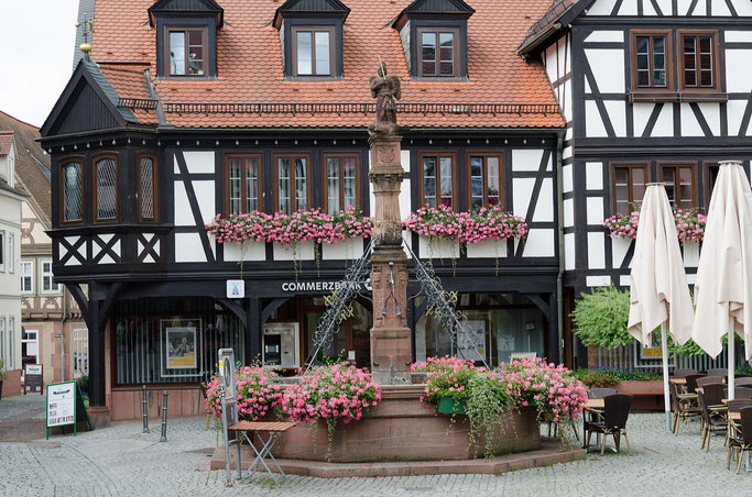 Brunnen am Marktplatz in Michelstadt