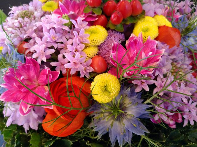 大分市 みつか漢方養生堂 年末の花