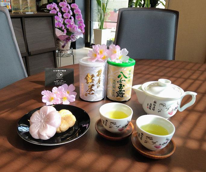 大分市 みつか漢方養生堂 井手の銘茶 桜和菓子