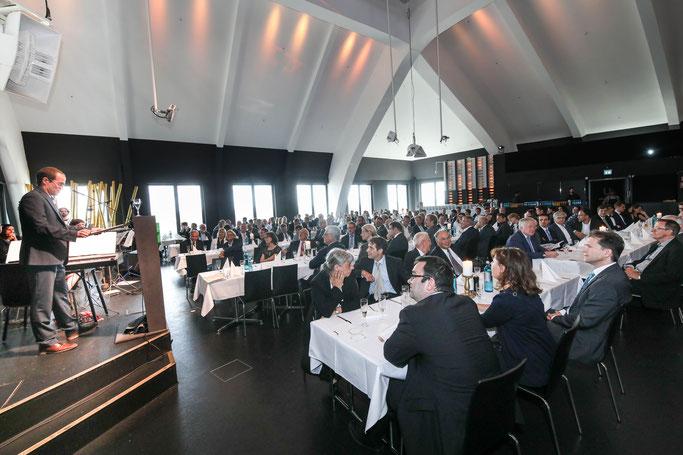 Heiko Brandt während der Ansprache des fabcing zum 50. Geburtstag der Fakultät
