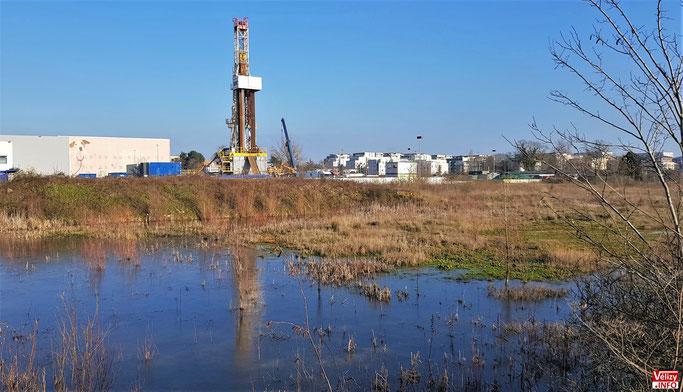 Le  puits de forage est implanté sur un terrain appartenant à la commune de Vélizy-Villacoublay.